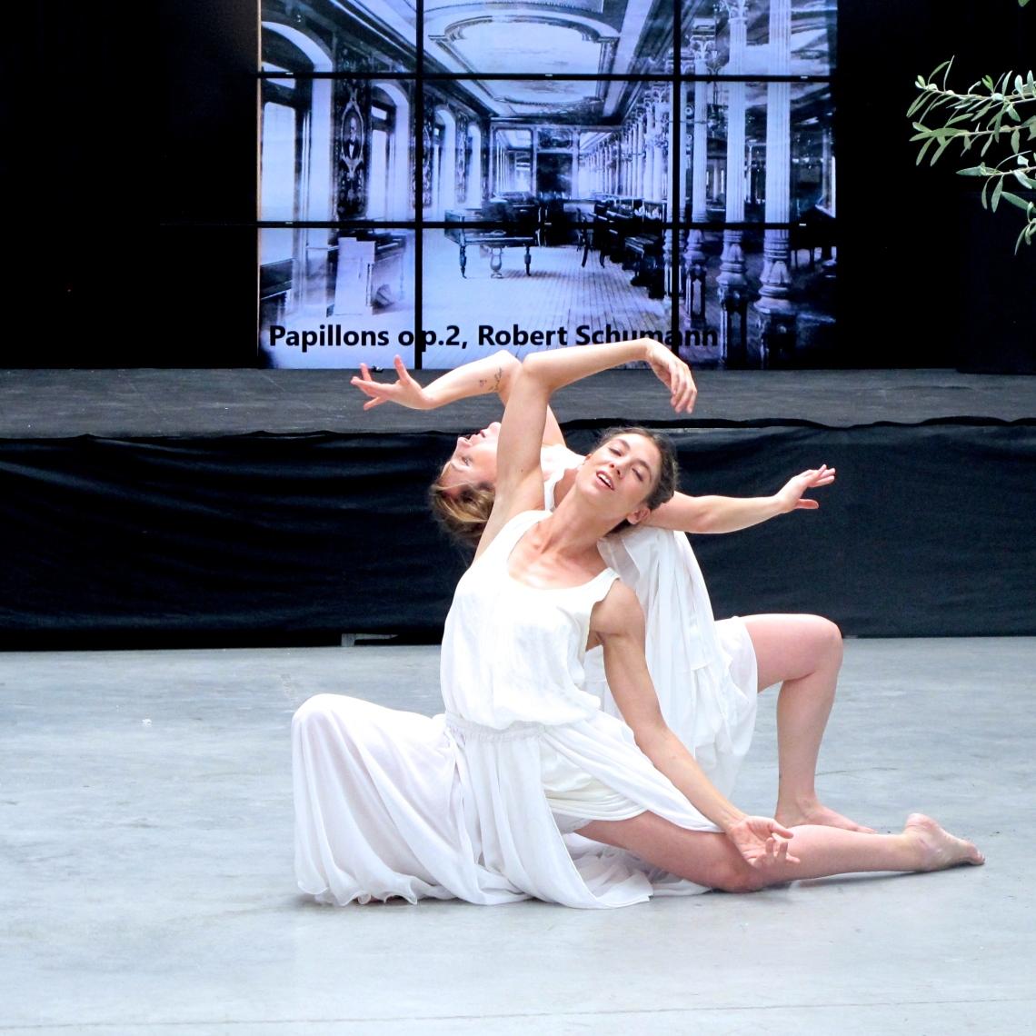 honevo_sala_montano_danza